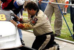 Réparation sur la Corvette de Lou Gigliotti