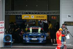 Mattias Ekström en el garage