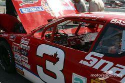 Au travail sur la Snap-on.com Chevrolet Monte Carlo