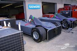 McLarens aún sin desempacar