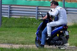 Ausfall: Jean Alesi, Team HWA, AMG-Mercedes CLK-DTM 2002