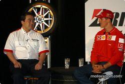 Bridgestone Motorsport / Scuderia Ferrari basın toplantısı: Hirohide Hamashima ve Michael Schumacher