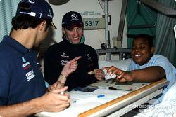 Visit, Sainte-Justine Children hospital, Montreal: Nick Heidfeld ve Felipe Massa