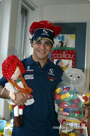 Visit, Sainte-Justine Children hospital, Montreal: Felipe Massa