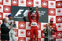 Podium: Sieger Michael Schumacher mit David Coulthard und Rubens Barrichello