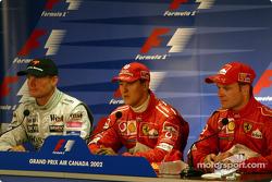 Conferencia de prensa: el ganador de la carrera, Michael Schumacher con David Coulthard y Rubens Bar