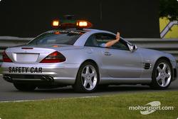 Safety car: la sesión de calentamiento está por comenzar