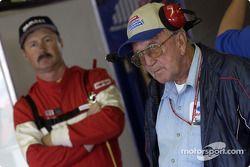 Gary Bradberry tuvo su primera arrancada de la temporada al tomar el volante del Ford Taurus de Juni
