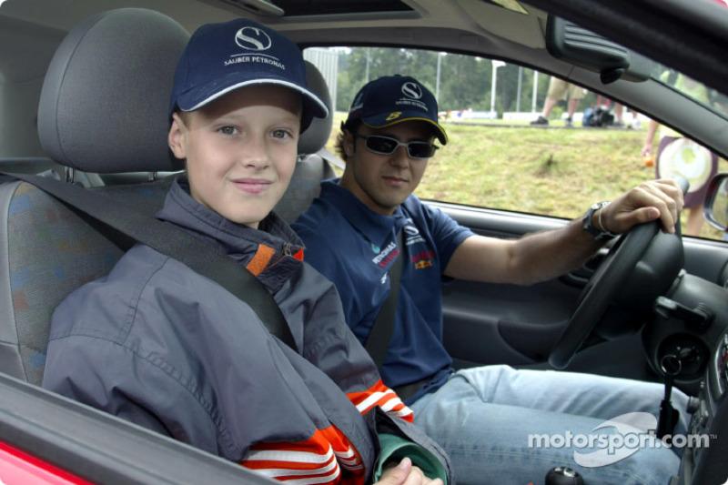 Nick Heidfeld y Felipe Massa dando lecciones en el Centro de Seguridad de Conductores en Nürburgring