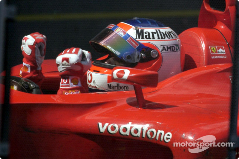 El ganador de la carrera Rubens Barrichello