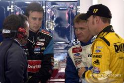 Frankie Stoddard chats to Roush Racing drivers Kurt Busch, Jeff Burton and Matt Kenseth