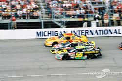 Mike Skinner, Jerry Nadeau y Bobby Hamilton