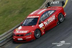 Joachim Winkelhock, OPC Team Phoenix, Opel Astra V8 Coupé 2002