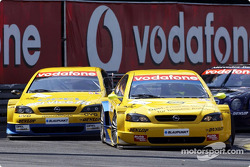 Manuel Reuter, OPC Team Phoenix, Opel Astra V8 Coupé 2002; Alain Menu, OPC Euroteam, Opel Astra V8 C