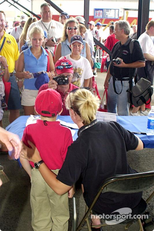 Race winner Rubens Barrichello avec Michael Schumacher