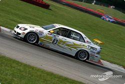 Last year's le vainqueur de la course et the current points leader, the Doran Lista Racing #27 Judd