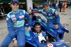 Malaysian driver Mohamed Fairuz Mohamed Fauzy visting Team Sauber: Nick Heidfeld, Fairuz and Felipe Massa