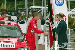 Tony Stewart avec James Weaver aux stands en tests pour la Rolex 24 At Daytona