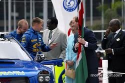 Petter Solberg con el Príncipe Edward y su esposa