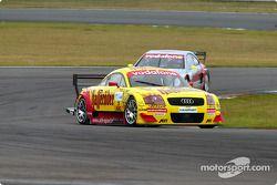 Qualifying-Rennen: Laurent Aiello, Abt Sportsline, Abt-Audi TT-R; Bernd Schneider, Team HWA, AMG-Mer