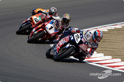 Race 1 start: Colin Edwards leads through Turn 5, followed by Bayliss and Hodgson