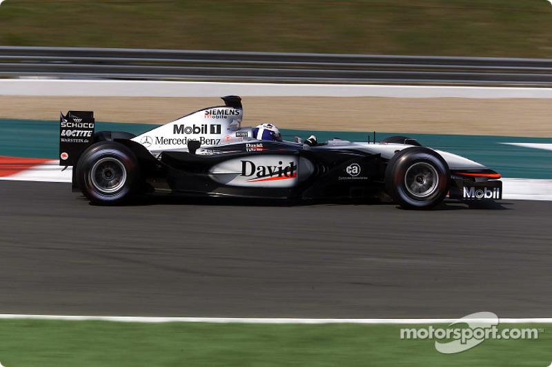 Пятница внезапно стала днем McLaren – Дэвид Култхард и его новый напарник Кими Райкконен заняли две первых строчки протокола, опередив дуэт Скудерии