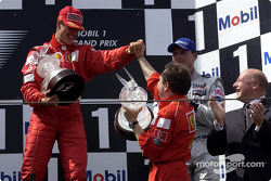 Podium: Michael Schumacher, Jean Todt, David Coulthard