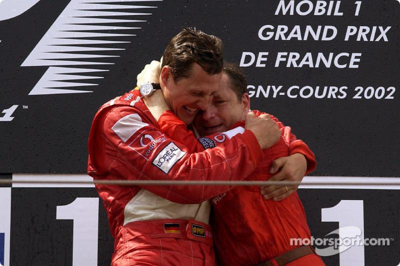 El podio: Michael Schumacher y Jean Todt