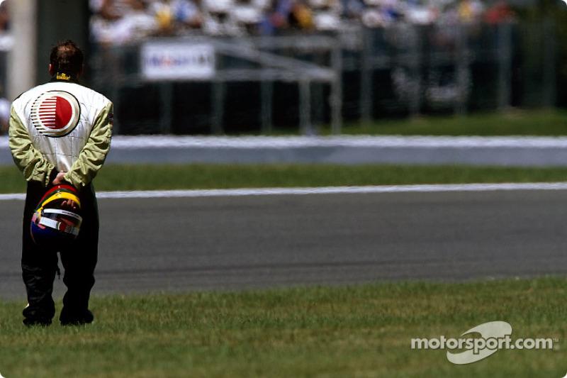 Jacques Villeneuve fuera de la carrera
