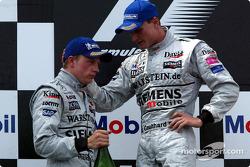Podyum: Kimi Raikkonen ve David Coulthard