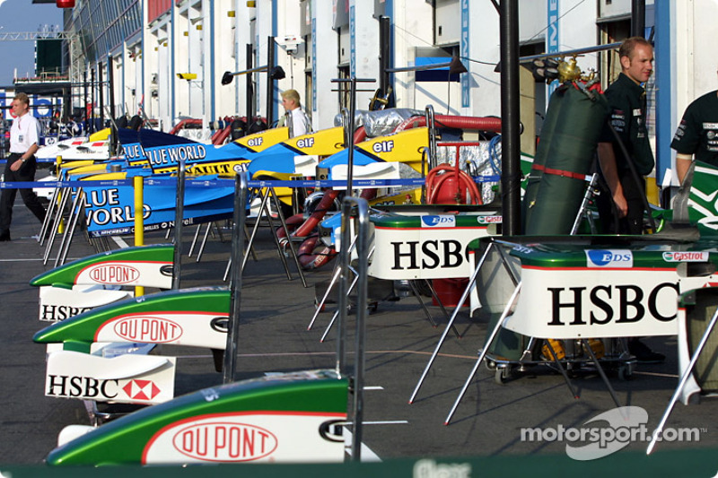 Pitlane ambiance in the morning