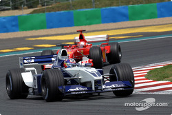 Хуан-Пабло Монтойя (Williams BMW) і Міхаель Шумахер (Ferrari)