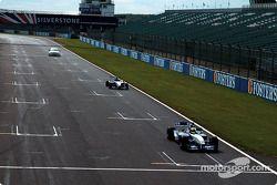 Ralf Schumacher WilliamsF1 BMW FW24, Tom Coronel BMW 320i Touring otomobil ve J����rg M��ller Formul