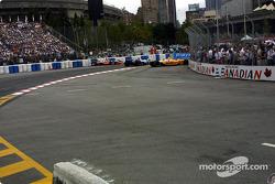Le départt: Michael Andretti, Kenny Brack et Jimmy Vasser ont des problèmes