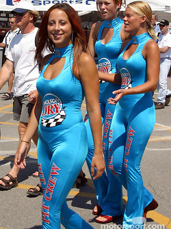 The charming Molson Dry girls