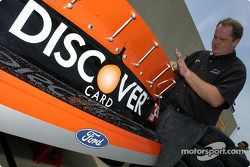 Miembros del Discovery Card Ford