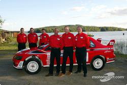 Lanzamiento del Mitsubishi Lancer Evolution WRC2: Francois Delecour, Alister McRae y Jani Paasonen