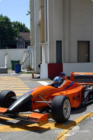 Pitstop pour Mike Buckley