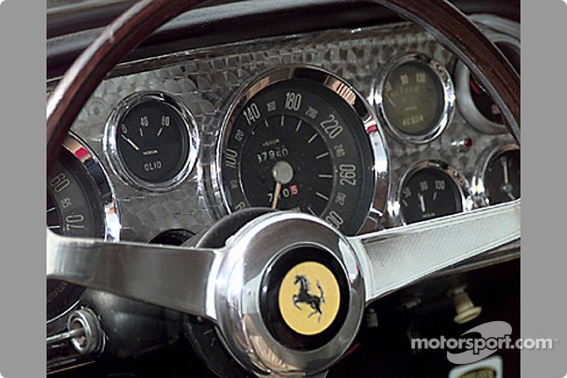 Tableau de bord de la Ferrari