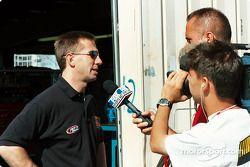 John Andretti se reune con la prensa