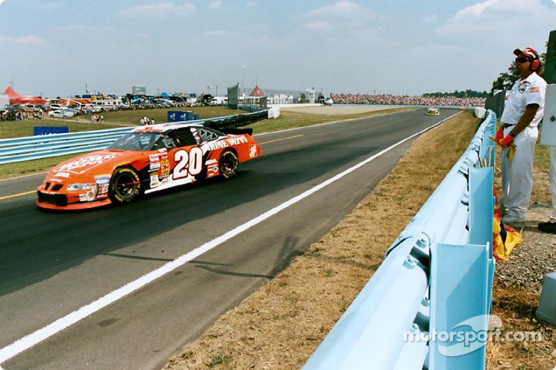 2002, Watkins Glen: Tony Stewart (Gibbs-Pontiac)