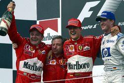 Podium: Sieger Rubens Barrichello mit Jean Todt, Michael Schumacher und Ralf Schumacher