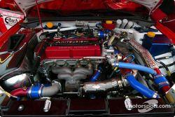 Bahía del motor del Mitsubishi Lancer Evolution WRC2