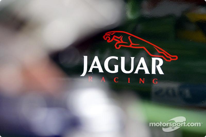 Zona de pits de Jaguar