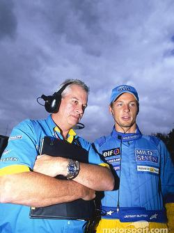 Pat Symonds y Jenson Button en la parrilla de salida