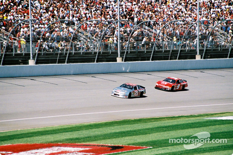 Kevin Harvick y Bill Elliott