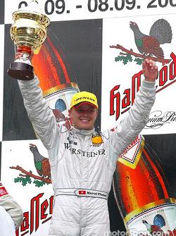 El podio: el ganador de la carrera, Marcel Fassler