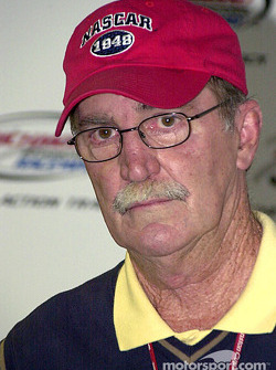 Jim Hunter, vicepresidente de comunicaciones de NASCAR también habla sobre el supuesto incidente de