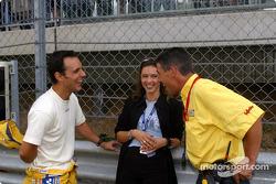 Laurent Aiello, Abt Sportsline, Abt-Audi TT-R, mit seiner Frau Geraldine und Renningenieur Ludovic L