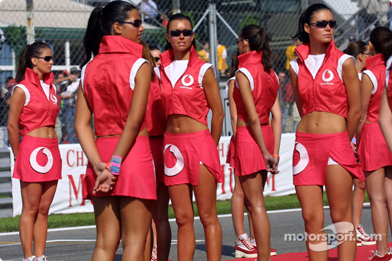 The lovely grid girls